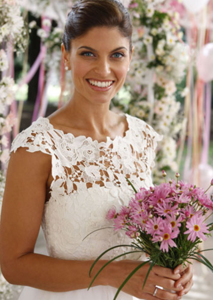 Zoe's frock featured a delicate laced bodice to complement her petite upper frame Image Source: Channel Seven